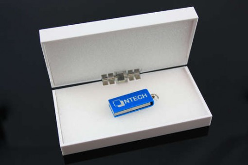 microtwist_in_glossy_giftbox[1]